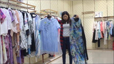 高端品牌【oy】真丝连衣裙视频挂版清货拿货请加电话微信:18664855101