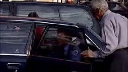 警察征车闹翻天 [www.taohaoba.com](流畅)