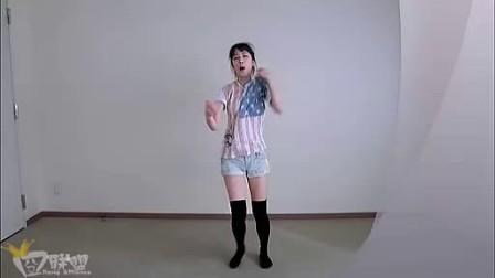 妹子跳舞就得要放得开