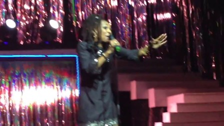 Siedah Garrett 'Man in the Mirror' Rainbow Magicland Italy  29-8-2014