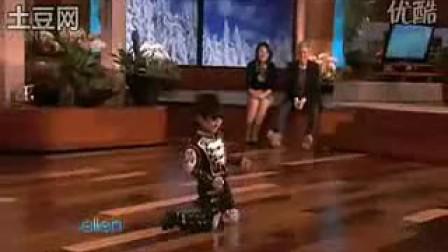 4岁街舞天才男童王一鸣做客美国著名Ellen脱口秀表演天王MJ之舞