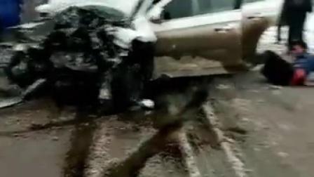 实拍重大交通事故 现场惨不忍睹!