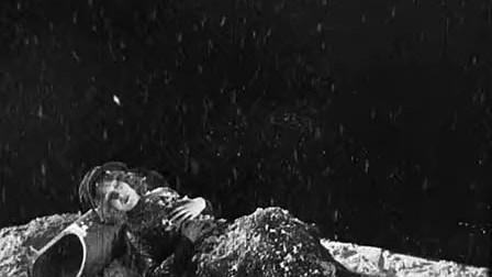 卖火柴的小女孩- Renoir - 1928)