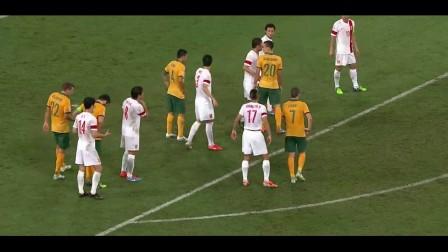 中国队盯人出现漏洞 赛恩斯伯里头球攻门稍稍高出