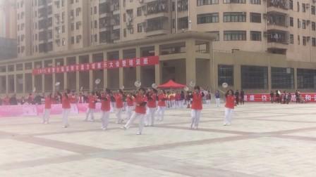 深圳龙华新区龙军花园柔力球表演