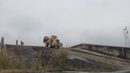 叉装车 XJ998-48爬12度坡