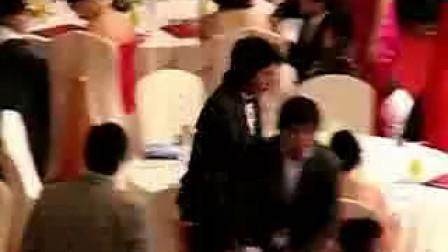李准基090227《退场与李俊益导演》打招呼