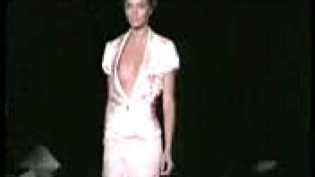 模特SHOW胸服装时尚演出-3gp.com.cn