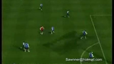 实况足球1人过11人模仿小罗打门柱