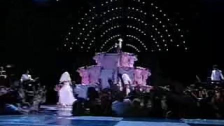 布兰妮、麦当娜、克里斯汀娜2003MTV颁奖礼开幕表演