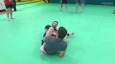 格锐搏击会馆-巴西柔术2个基本足跟钩 heel lock