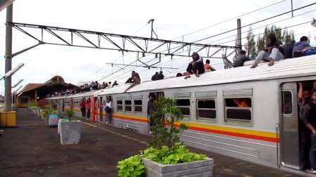 KRL JABOTABEK 中央線 _Hitachi_ Gondangdia発車(2)
