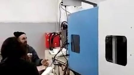 日用消费品行业--PMC RS-1000标准三轴伺服机械手快速取餐盒视频