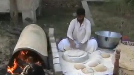 印度老外烙饼技术一点都不比中国差,不信你瞧