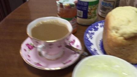 方圆影业之六自制面包早餐