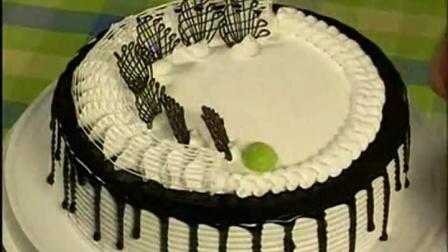 奶油蛋糕裱花 水果生日蛋糕裱花视频 王森裱花蛋糕制作草莓蛋糕