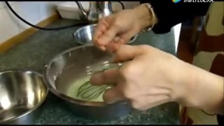 斑蘭椰汁千層糕的制作