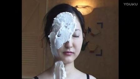 美女 奶油脸 抹蛋糕 好惨的惩罚