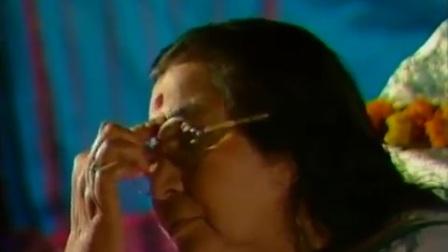 霎哈嘉瑜伽创始人锡玛塔吉教头上轮穴知识