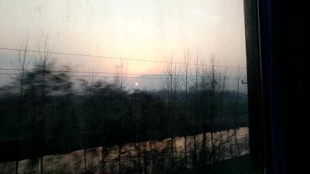 20170130在去淮北的火车上看外面夕阳西下