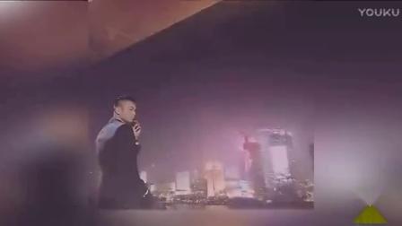 黑人西装look变孔刘 范范真的好爱老公
