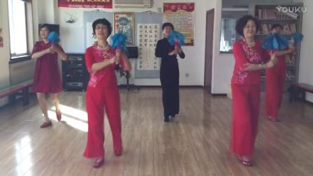 北京顺义怡馨家园快乐舞蹈队(舞蹈:万水千山总是情)