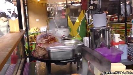 外国街头美食,美女制作超巨型牛排!压一下,
