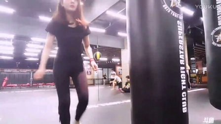 03-19斗鱼西呱直播练拳+地铁演戏(房号525079)斗鱼西瓜、小西呱呱