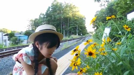 日本美女铁轨写真