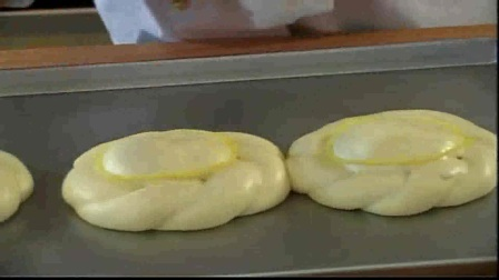 豆沙面包圈17-德普烘焙实验室