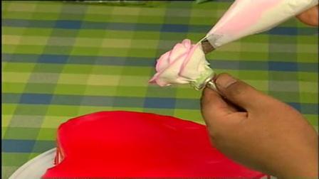 抹圆型蛋糕胚之裱花蛋糕