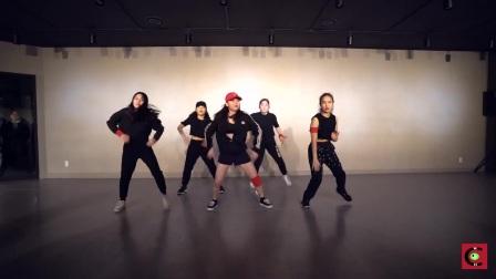 (我很潮街舞)韩国1m舞蹈室 rich chigga 的编舞 dat stick 霸气十足.mp4