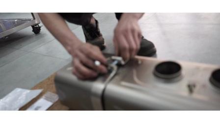 保时捷GT3 RS 升级AK全段排气.mpg