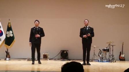 (英文字幕) 5.4.2017 金俊秀當義警首次上台表演-站在樹蔭下_(720p)