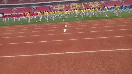 青岛市崂山区中小学生运动会开幕式(快板操-夸崂山)20170406_155644