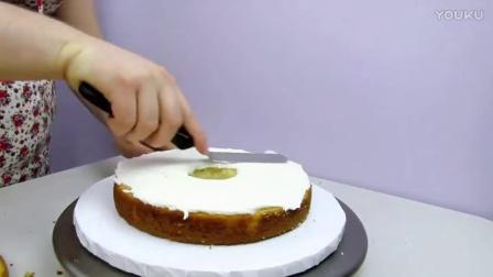如何制作西瓜三明治,冰淇淋蛋糕,巧克力心形节蛋糕(蛋糕甜点教程)