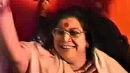 霎哈嘉瑜伽创始人锡玛塔吉唱歌视频