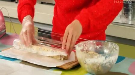 佩佩猪烘培教室之草莓蛋糕慕斯蛋糕图片