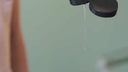 猫星人为你展示 洗面乳中的塑料微粒