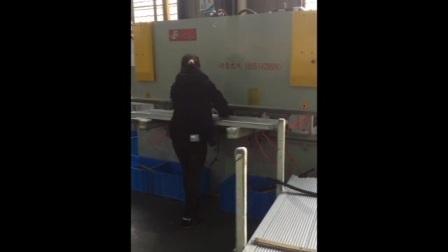 光伏边框组合冲床-操作视频-江苏锋利