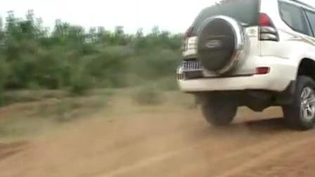 坚持自己的路 试老款普拉多4.0_试车视频_汽车报价20167