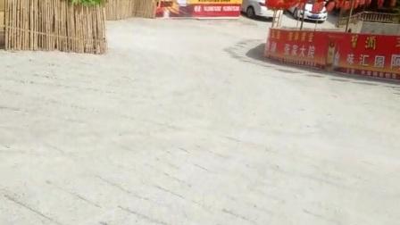 贵州省毕节市,大方县旅游景点吱嘎阿鲁湖张家河鱼农家乐。订餐电话:15285875288吃住玩都可以的wx_camera_1490595786302
