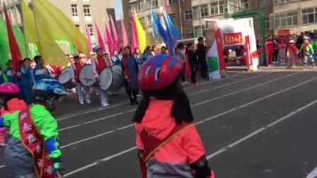 山西省吕梁市离石区长治路小学第二届春季运动会开幕式 一年级四班表演(大梦想家)