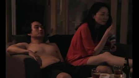 夜半相拥亲吻.mp4