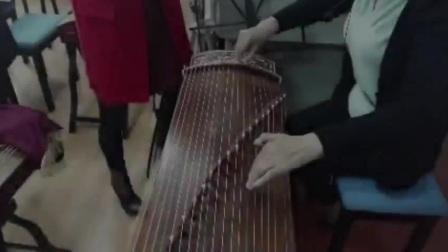 老年大金老师古筝手法演示;几种花指弹奏(有轻微背景音乐)20170419