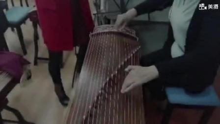 老年大金老师古筝手法演示;几种花指弹奏无背景音乐)20170419