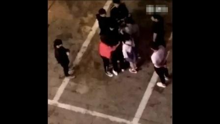 网红王乐乐与女友怀孕七八月女友杨青柠小不点撕打视频