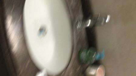 奶酪棒弄在牙膏药膏洗手液沐浴露眼药水洗头膏扔在马桶里哈哈哈哈哈哈哈哈哈哈哈