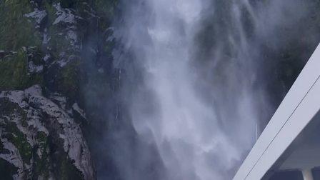 米尔福德峡湾的斯特林瀑布 by Amber
