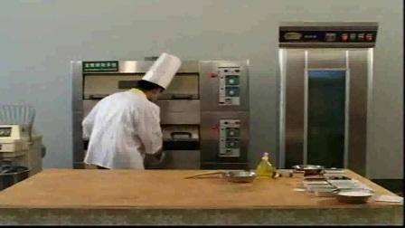 烘培蜜语教你如何制作黄金海绵蛋糕